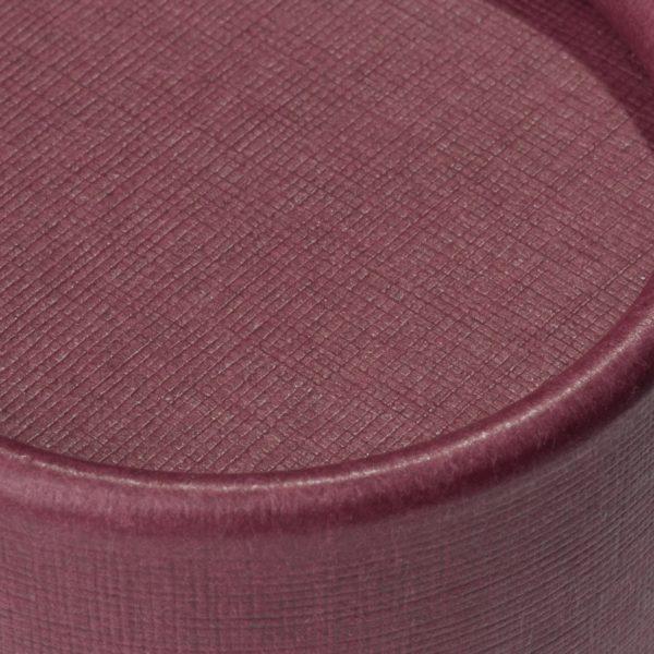 Deckel der nachhaltigen, betubed Pappdose bordeaux in der Detailansicht