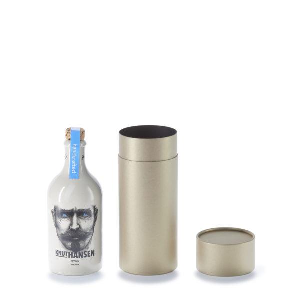 Knut Hansen Gin Flaschen mit geöffneter, goldener betubed Pappdose